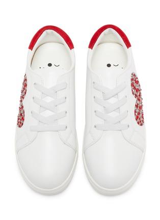 模特儿示范图 - 点击放大 - WiNK - MILKSHAKE儿童款仿水晶爱心金属丝线图案绒面皮拼贴真皮运动鞋