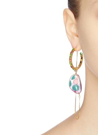 模特儿示范图 - 点击放大 - Ejing Zhang - 可拆式半圆环链条树脂镀18k金纯银吊坠耳环