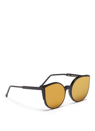 模特儿示范图 - 点击放大 - SUPER - LUCIA中性款猫眼圆形太阳眼镜
