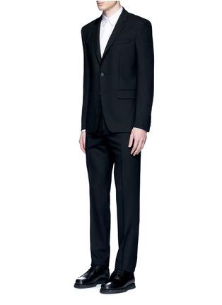 模特示范图 - 点击放大 - GIVENCHY - 链条装饰纯棉府绸衬衫