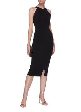 模特儿示范图 - 点击放大 - ROLAND MOURET - KLINT拼色褶裥开衩无袖连衣裙