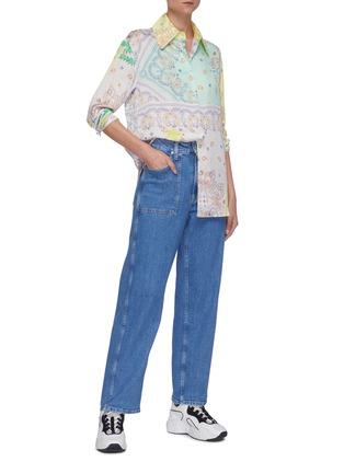 模特儿示范图 - 点击放大 - MIRA MIKATI - 拼色趣味图案衬衫