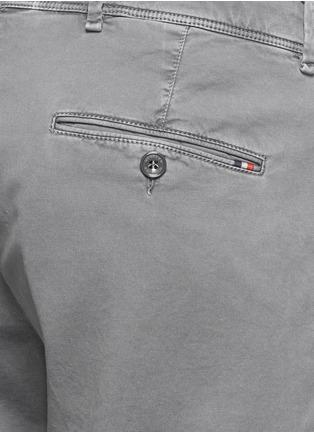细节 - 点击放大 - MONCLER - 纯色休闲短裤