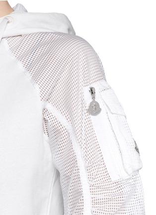 细节 - 点击放大 - Moncler - 网眼拼贴连帽外套