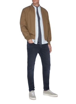 模特儿示范图 - 点击放大 - RAG & BONE - FIT 1水洗修身棉质牛仔裤