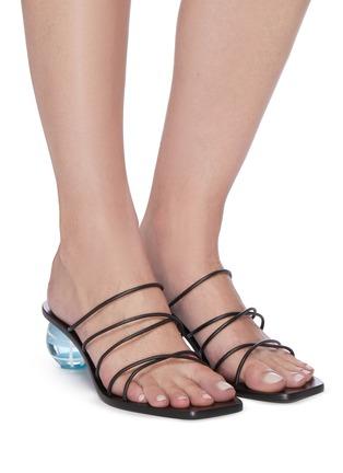 模特儿示范图 - 点击放大 - CULT GAIA - CASSIE搭带鸡蛋跟高跟凉鞋