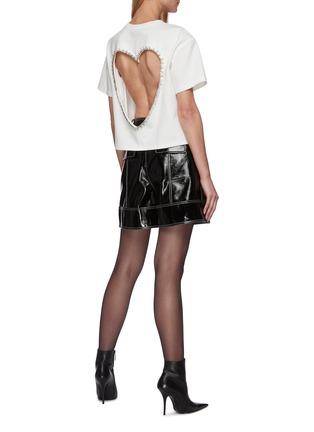 模特儿示范图 - 点击放大 - AREA - 仿水晶点缀镂空爱心T恤