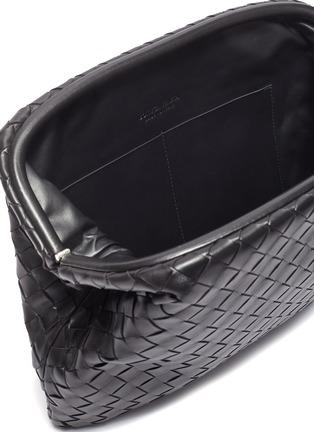 细节 - 点击放大 - BOTTEGA VENETA - 交叠编织真皮手拿包