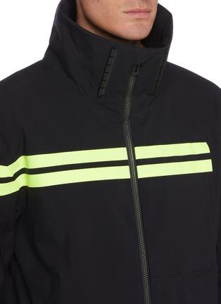 细节 - 点击放大 - ROSSIGNOL - EMBLEME拼色夹棉功能连帽滑雪夹克