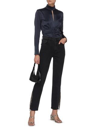 模特儿示范图 - 点击放大 - FRAME DENIM - Felicity镂空褶裥高领混丝衬衫