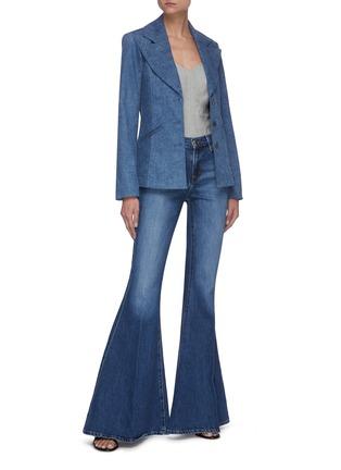 模特儿示范图 - 点击放大 - J BRAND - VALENTINA喇叭裤腿水洗混棉牛仔裤