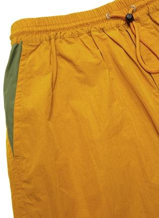 - NANAMICA - 滑扣抽绳裤腰短裤