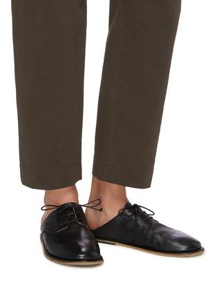 模特儿示范图 - 点击放大 - MARSÈLL - GUARDELLA系带真皮德比鞋式穆勒鞋