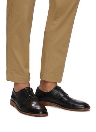 模特儿示范图 - 点击放大 - ANTONIO MAURIZI - TODI系带真皮德比鞋