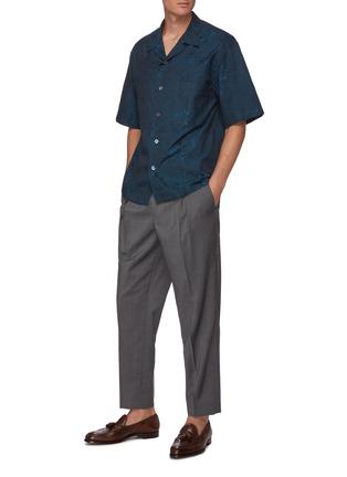 模特儿示范图 - 点击放大 - BARENA - Solana拼贴口袋花卉图案短袖衬衫