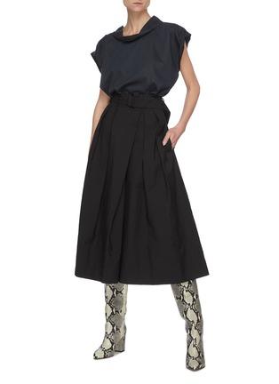 模特儿示范图 - 点击放大 - LEMAIRE - 腰带褶裥露踝混棉裙裤