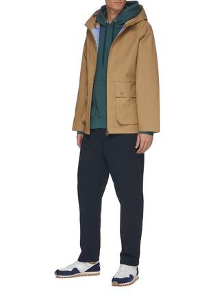 模特儿示范图 - 点击放大 - NANAMICA - 翻盖口袋功能纯棉连帽夹克