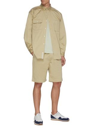 模特儿示范图 - 点击放大 - NANAMICA - 松紧裤腰短裤