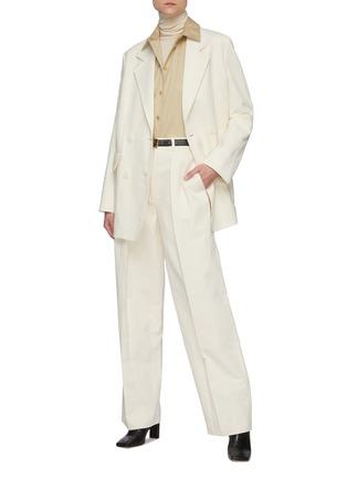 模特儿示范图 - 点击放大 - THE ROW - 平驳领双排扣棉混亚麻西服外套