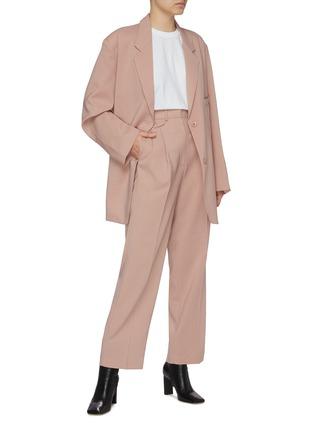 模特儿示范图 - 点击放大 - THE FRANKIE SHOP - PERNILLE BOY平驳领单排扣西服外套