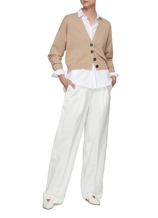 模特儿示范图 - 点击放大 - BRUNELLO CUCINELLI - V领纹理钮扣混初剪羊毛针织开衫