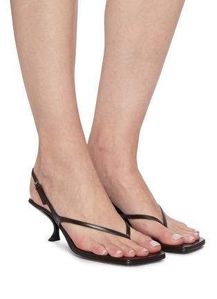 模特儿示范图 - 点击放大 - THE ROW - Constance真皮露跟凉鞋
