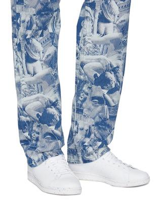 模特儿示范图 - 点击放大 - ADIDAS - X YOSHITOSHI KANEMAKI STAN SMITH仿皮革系带运动鞋