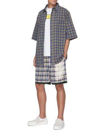 模特儿示范图 - 点击放大 - ACNE STUDIOS - 拼色格纹拼贴口袋纯棉衬衫
