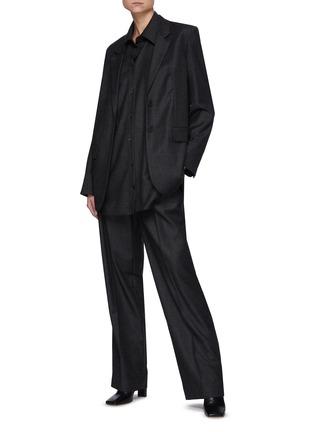 模特儿示范图 - 点击放大 - THE ROW - 单排扣平驳领混初剪羊毛西装外套