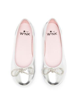 模特儿示范图 - 点击放大 - WiNK - SODA POP GLAM儿童款蝴蝶结点缀真皮平底鞋