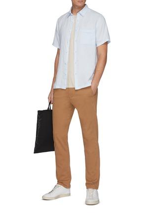 模特儿示范图 - 点击放大 - THEORY - 亚麻短袖衬衫