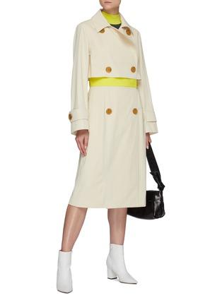 模特儿示范图 - 点击放大 - NINA RICCI - 双排扣切割拼色腰带风衣