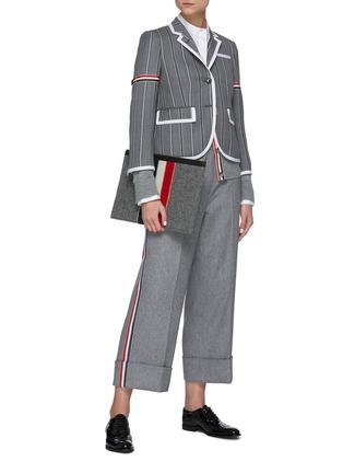 模特儿示范图 - 点击放大 - THOM BROWNE - 侧条纹混羊毛长裤