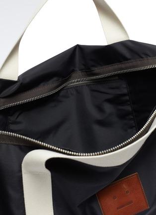 细节 - 点击放大 - ACNE STUDIOS - 表情徽章单肩包