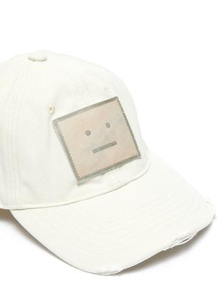 细节 - 点击放大 - ACNE STUDIOS - 真皮笑脸徽章毛边纯棉棒球帽