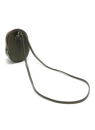 细节 - 点击放大 - JW ANDERSON - NANO CAP帽子造型小牛皮斜挎包