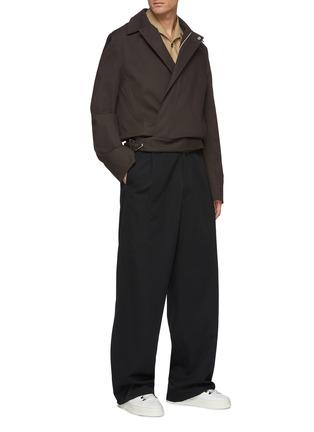 模特儿示范图 - 点击放大 - BOTTEGA VENETA - 搭扣棉质衬衫式夹克