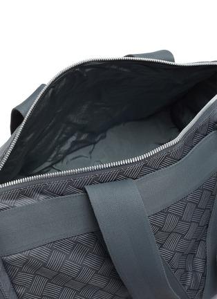 细节 - 点击放大 - BOTTEGA VENETA - 编织图案健身包