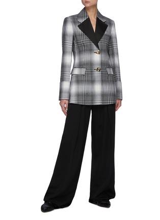 模特儿示范图 - 点击放大 - JW ANDERSON - 纹理钮扣拼色西服外套