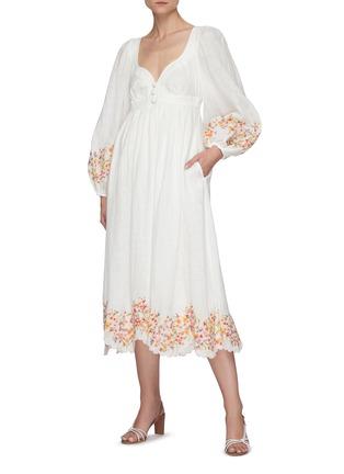 模特儿示范图 - 点击放大 - ZIMMERMANN - MAE泡泡袖花卉图案亚麻连衣裙