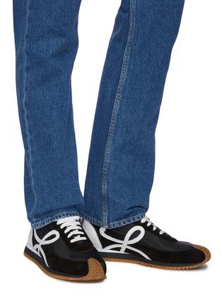 模特儿示范图 - 点击放大 - LOEWE - 拼接设计LOGO小牛皮运动鞋