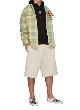 模特儿示范图 - 点击放大 - DOUBLET - 玩偶缀饰羊毛格纹衬衫
