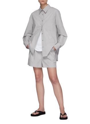 模特儿示范图 - 点击放大 - THE FRANKIE SHOP - LUI褶间衣袖有机纯棉衬衫