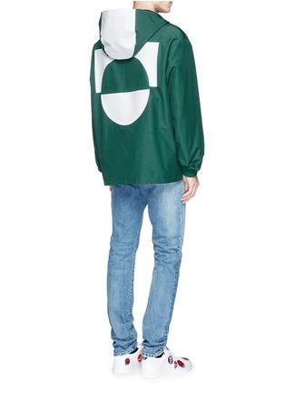 模特儿示范图 - 点击放大 - MC Q - 胶印装饰混棉连帽外套
