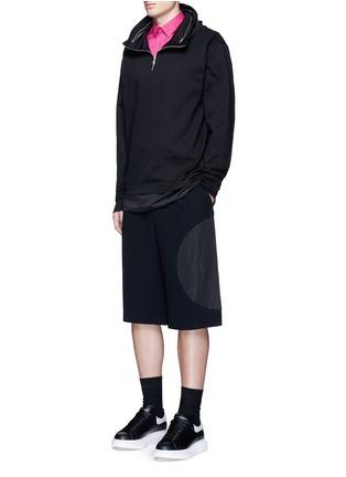 模特儿示范图 - 点击放大 - MCQ ALEXANDER MCQUEEN - 燕子刺绣纯棉衬衫