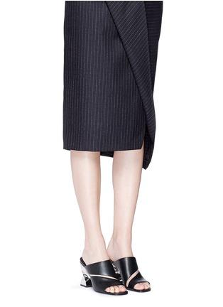 模特儿示范图 - 点击放大 - OPENING CEREMONY - DINERO螺旋鞋跟镂空搭带凉鞋