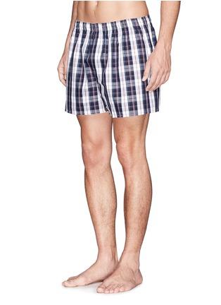 模特儿示范图 - 点击放大 - SUNSPEL - 格纹图案内裤
