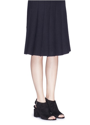 模特儿示范图 - 点击放大 - alexanderwang - NADIA切口鞋跟绒面皮高跟鞋