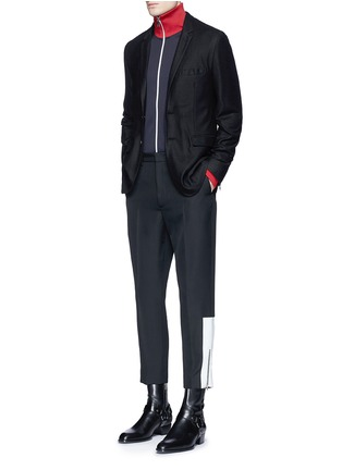 模特儿示范图 - 点击放大 - MC Q - 拉链条纹装饰羊毛九分裤