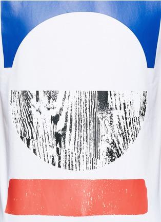 细节 - 点击放大 - MC Q - 几何胶印纯棉T恤